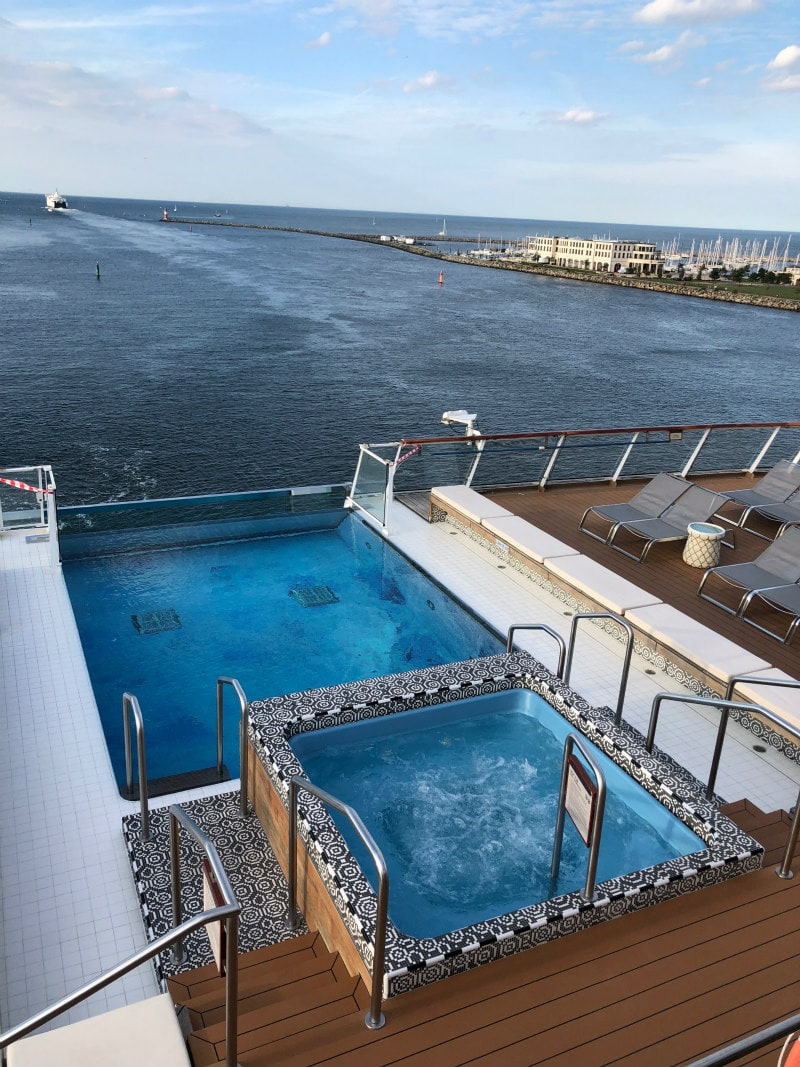Pool and Hot tub on The Viking Star
