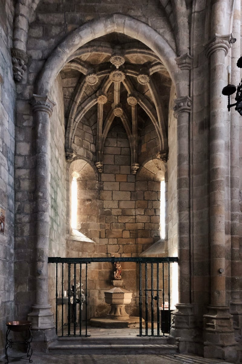 Inside the cathedral: Guarda, Portugal