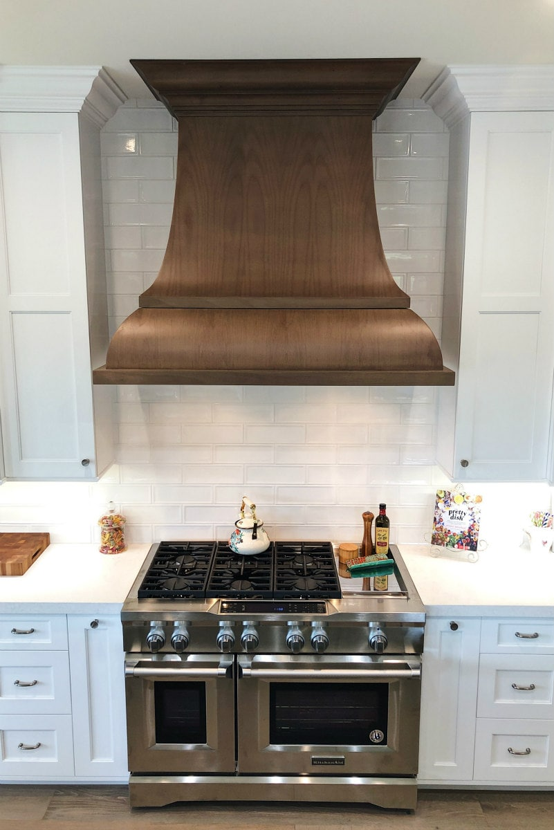 New Range and Hood in Kitchen Remodel