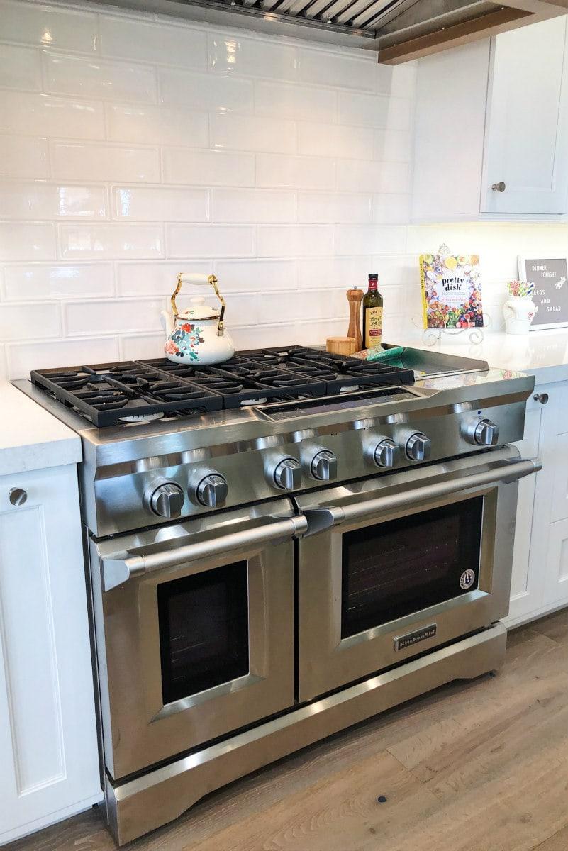 New Range in Scottsdale Kitchen Remodel