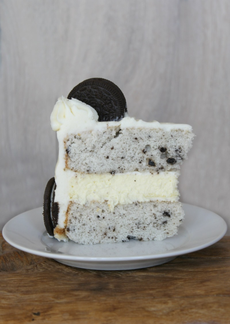 slice of Cookies and Cream Cheesecake Cake