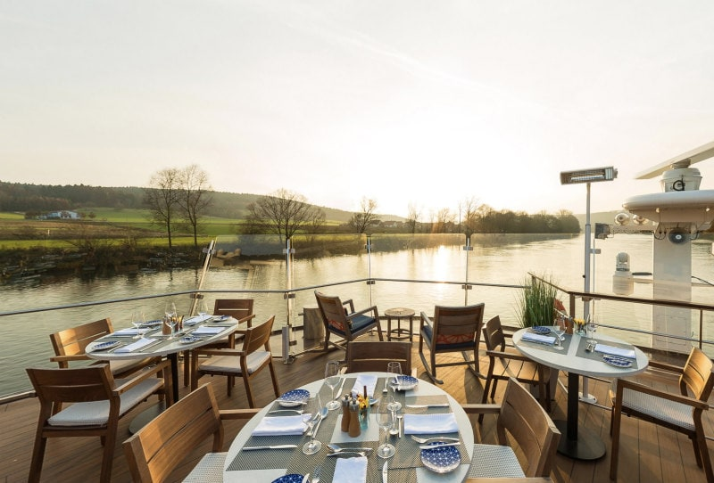 Outdoor dining on the Viking Hild