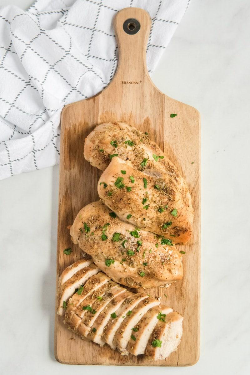 slicing baked chicken breast