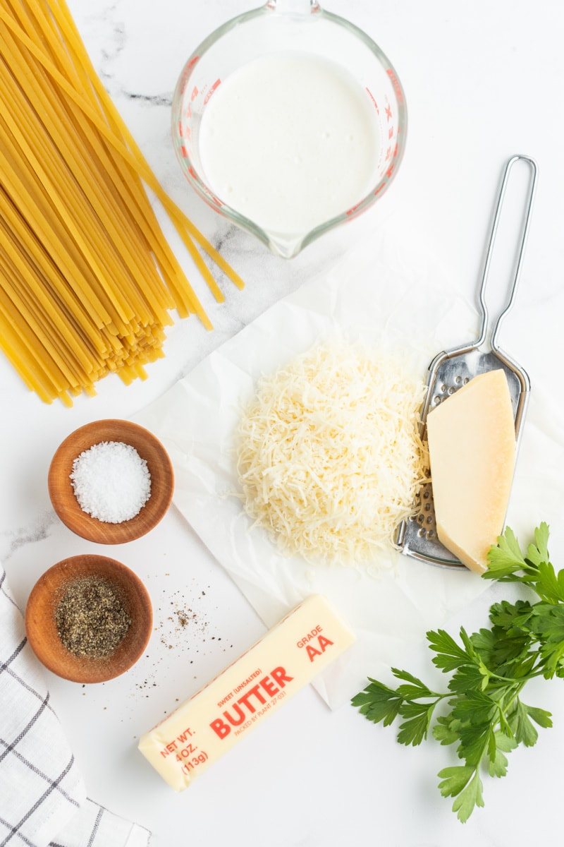 ingredients displayed for fettucine alfredo